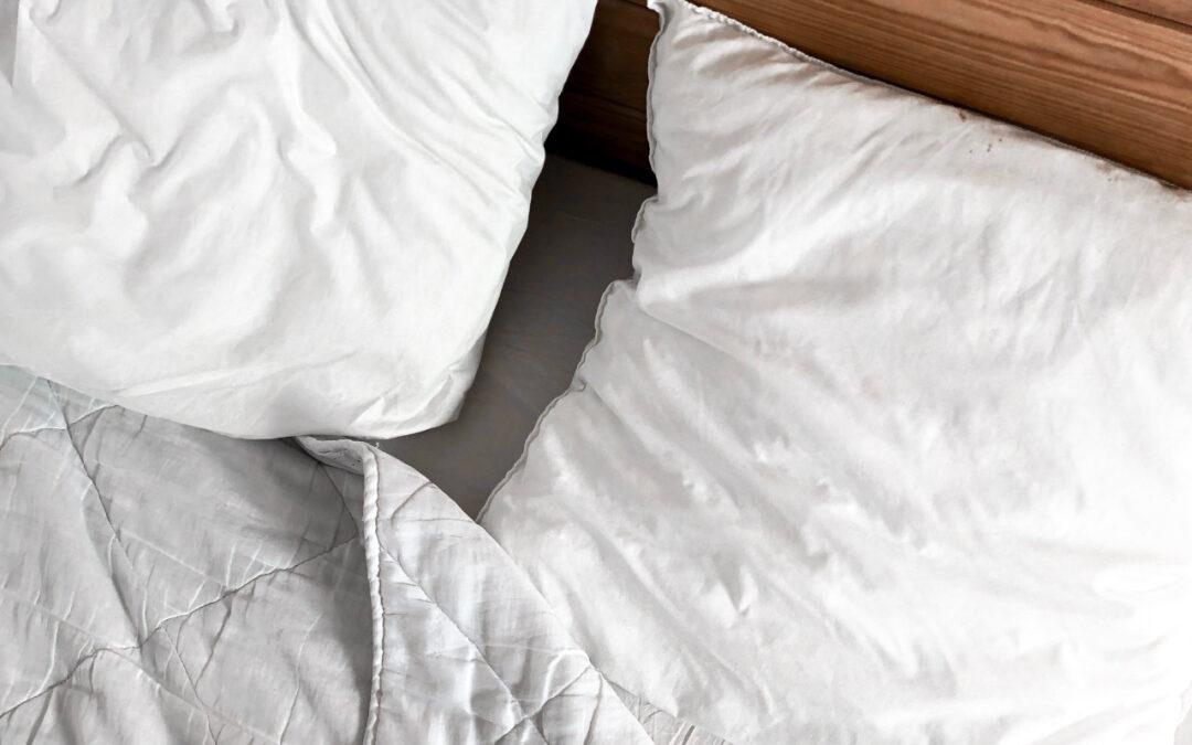 Poduszka a zdrowy sen – jaką poduszkę wybrać, aby się zdrowo wysypiać?